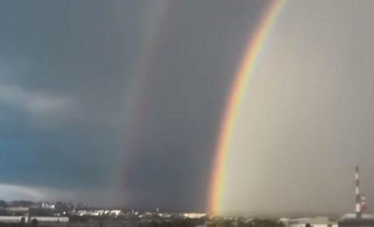 Двойна дъга и Божията ръка в небето от 24 май насам!