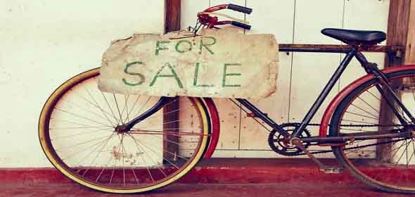 Защо бедните купуват скъпи вещи? Причини за безпаричието